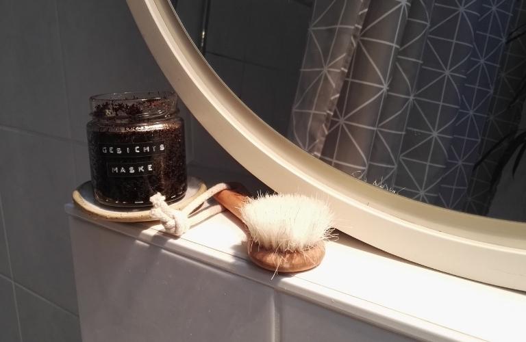 Gesichtsmaske selber machen: Mit Kaffee und Kokosöl