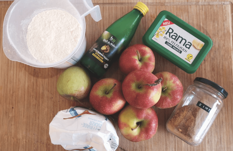 Schneller Apfelkuchen vegan: Einfaches und schnelles Apfelkuchen Rezept, das nach Belieben einfach variiert werden kann!