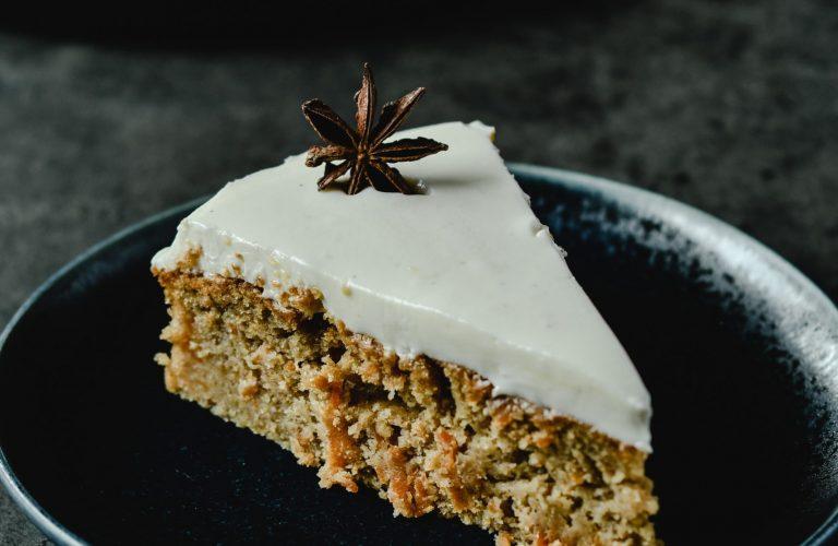 Karottenkuchen mit Apfelmus Super saftig und einfach zu machen_Ergebnis vom Kuchen